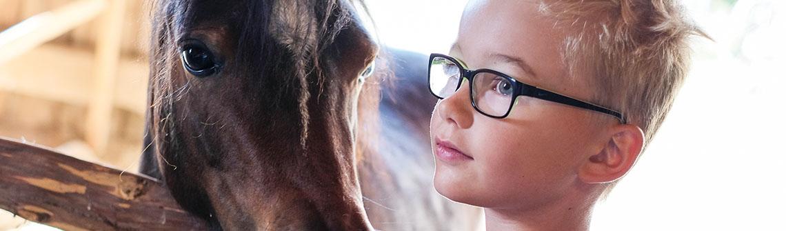 Das Leben ist (k)ein Ponyhof für Jonas.
