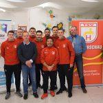 Fußballer aus Hirschau sammeln Spenden bei Tombola