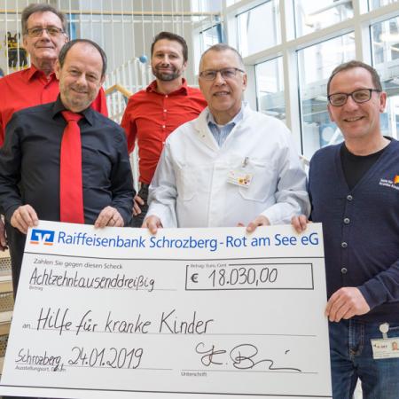 Spendenübergabe Projektchor Beibl