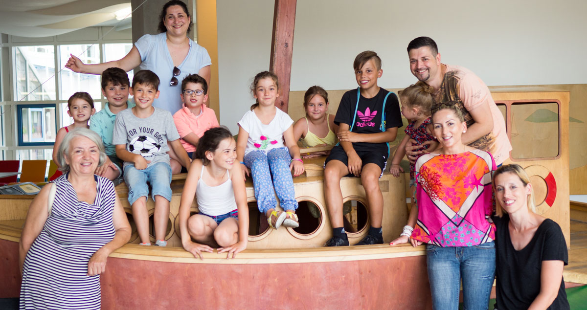 Familie Filipovic bei der Spendenübergabe