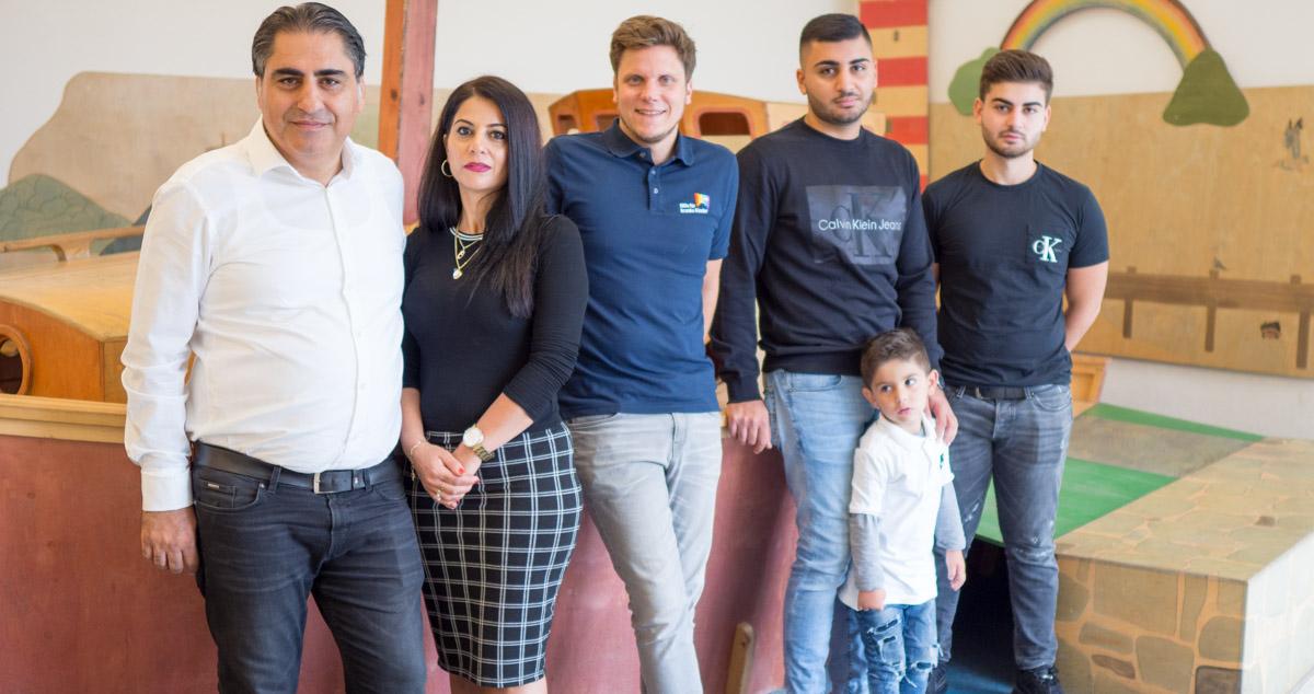 Familie Korkmaz von Degerenergie in der Kinderklinik zur Spendenübergabe