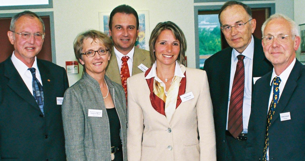 Die Mitglieder des Stiftungsrates im Gründungsjahr der Stiftung Hilfe für kranke Kinder 2005.