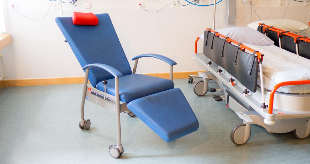 Multifunktionsstühle finanziert von Hilfe für kranke Kinder