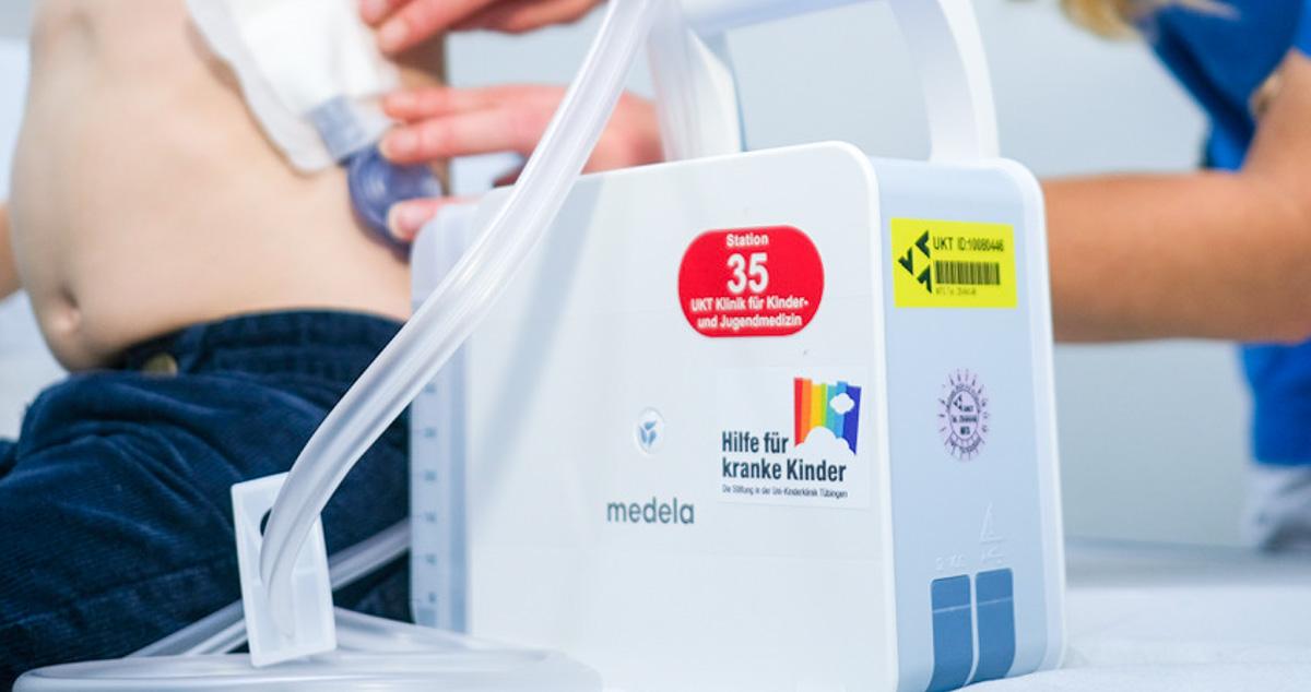Neues mobiles Thoraxdrainagesystem durch Hilfe für kranke Kinder finanziert