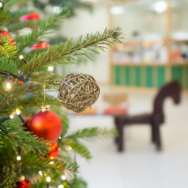 Hilfe für kranke Kinder wünscht frohe Weihnachten